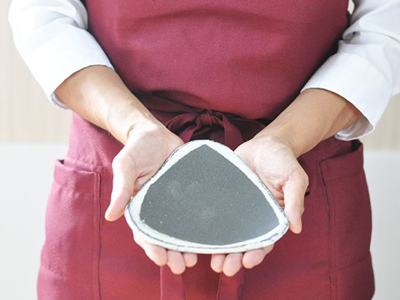 苔玉の三角皿