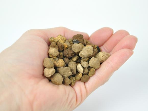 ミニ盆栽の土【 大粒10mm-L 】オリジナル配合  重さ:3kg  内容量:3.6L