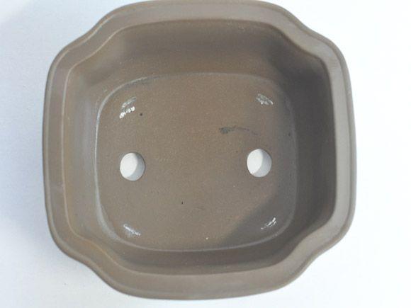 伝統的な盆栽鉢