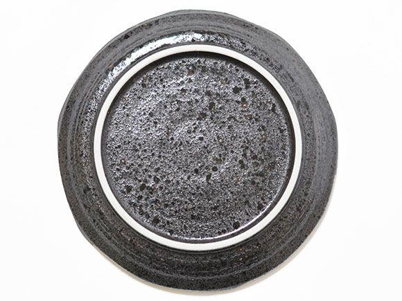 黒丸形皿 真裏 敷板